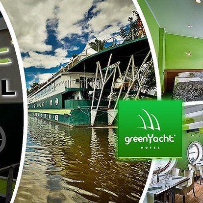 Romantický pobyt na 3 dny pro dva v hotelu Green Yacht se snídaní či romantickým balíčkem v Praze.