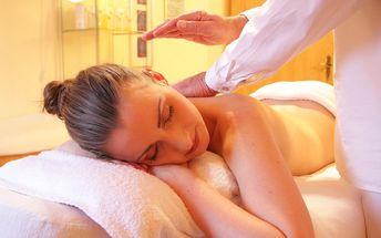 Báječná relaxační masáž s rašelinovým zábalem - 90 minut jen za 299 Kč