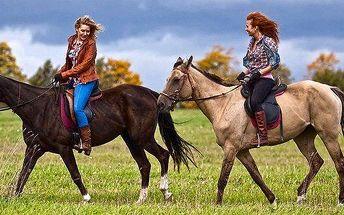 Jízda na koni pod dohledem zkušených koňáků