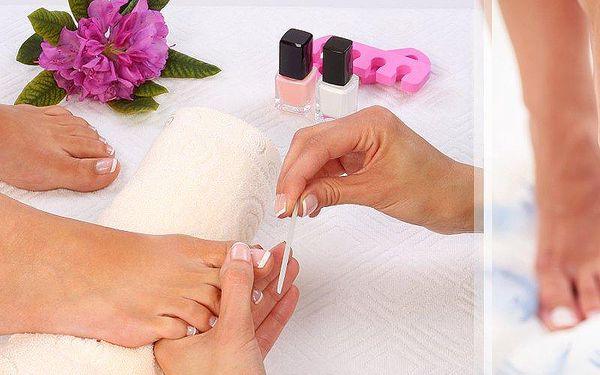 Suchá či mokrá pedikúra včetně lakování v pražské Klinice To well! Dokonalá péče o Vaše nožky!