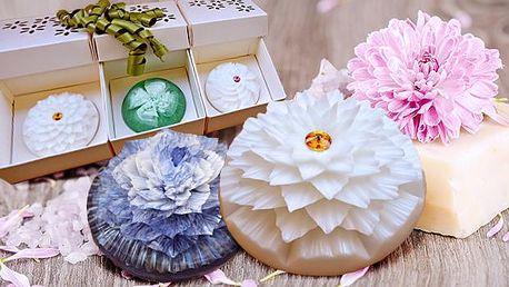Mýdla ve tvaru jiřiny, begónie a vánočního překvapení s krystalem Swarovski! Vhodný elegantní a voňavý dárek!