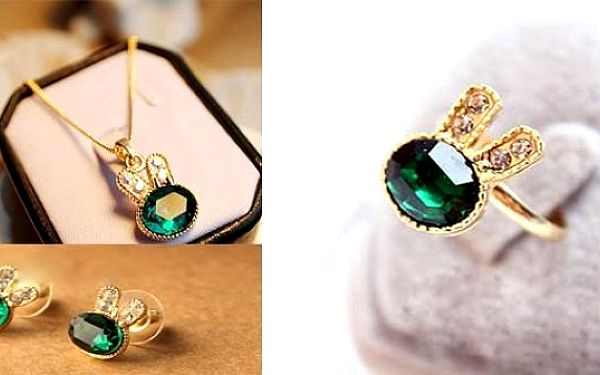 Elegantní set 3v1 ve tvaru králíčka ve zlaté barvě se stříbnými kamínky – pánové z Vás zaručeně nespustí oči!