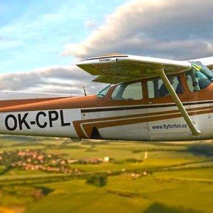 Pilotování a let ve vybraném letadle