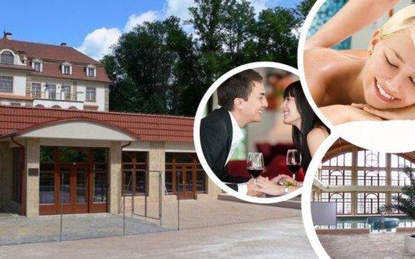 Lázně Chrastava - víkendový wellness pobyt pro 2 osoby na 3 dny se snídaní! Čekají vás neomezené vstupy do lázní, turecká masáž Hammam pro oba, sauna, pára, vany a jako bonus i láhev sektu!
