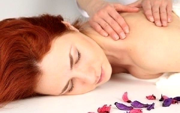 Čtyřruční energizující a léčivá Tantrická masáž pr...