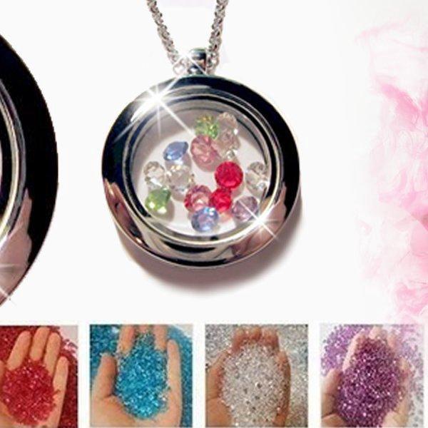 Kouzelný otevírací medailonek s řetízkem a sadou barevných kamínků Crystal Swarovski Elements.
