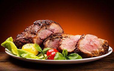 400 g roastbeefu s přílohou a zeleninou pro 2 až 3 osoby v Praze