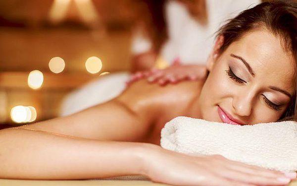 60minutová tantrická masáž + 15 minut výuky intimity v Praze