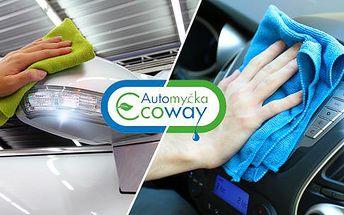 Ekologické ruční čištění vozu! 4 balíčky péče o vůz v Hradci Králové. Tepování, péče o kůži, mytí celého vozu!