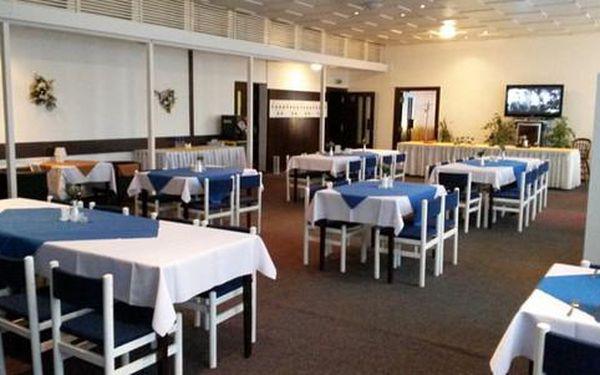 Zimní pobyt pro dva v Hotelu U Kociána s bazénem a polopenzí + dítě do 12 let zdarma5