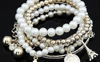 Vícevrstvý náramek s perlami a přívěsky