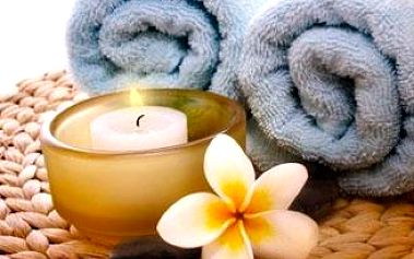 Relaxační hodinová masáž zad a šíje pro uvolnění těla i mysli ve studiu Váš Relax v centru Brna.