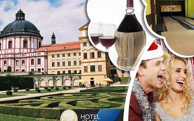 Silvestr v Hotelu Opera s polopenzí. Silvestrovský program, menu, přípitek, láhev vína a dárek