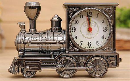 Budík ve tvaru retro lokomotivy