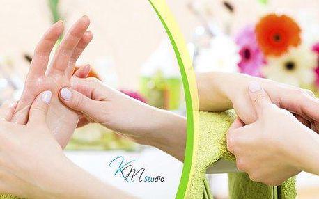 Relaxační masáž prstů, rukou a předloktí - 45 minut - v salonu u Václavského náměstí! Uvolňující masáž prstů, rukou a předloktí, vyživí ruce, uvolní napětí a přinese lehkost do celého těla! Také vám prohřeje dlaně, zlepší přívod a odvod krve a celkově se