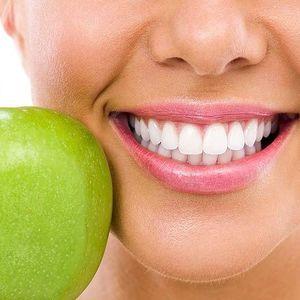 Dentální hygiena a bělení zubů v pohodlí domova
