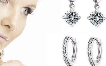 Luxusní postříbřené nebo pozlacené náušnice s krystaly Swarovski element v dárkové krabičce.