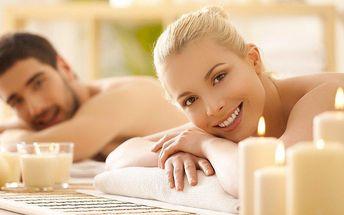 Romantická aromatická masáž se zábalem pro 2 osoby