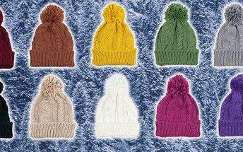 Módní zimní pletená čepice pro dámy. Veselé barvy, bambule, ohrnovací rantl a mnoho barevných variant! Dolaďte svůj zimní outfit k dokonalosti barevnou pletenou čepicí s bambulí. Zahřejete se a navíc budete in.
