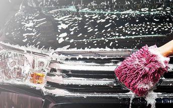 Ruční mytí interiéru automobilu vč. tepování