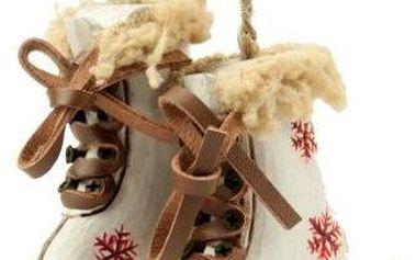 Závěsná dekorace Skiing Boots White