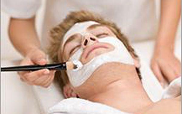 Kosmetické ošetření pleti pro pány včetně příjemné masáže. Chlapi, pojďte do toho!