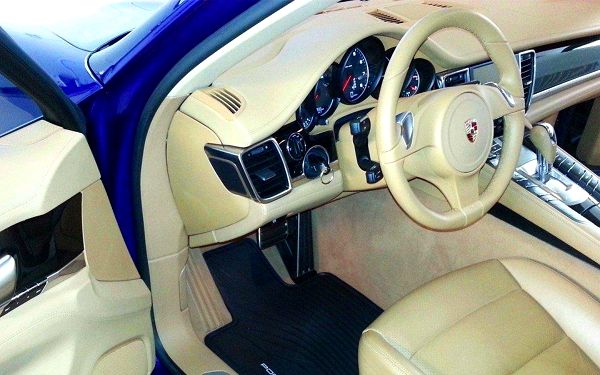 Profesionální čistění interiéru-exterieru vašeho auta