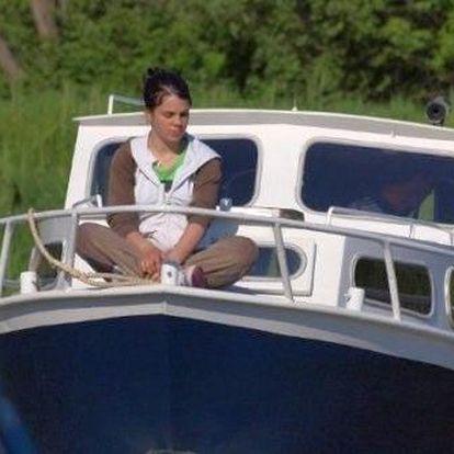 3-denní romantická plavba po Baťově kanálu na lodi pod Vaším velením. Originální dárek a krásný zážitek!