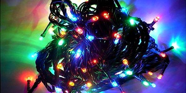 Barevný vánoční LED řetěz na stromeček, balkon či terasu