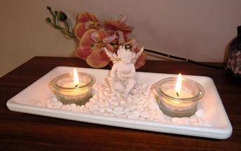 Bílý svícen na čajové svíčky s andělem