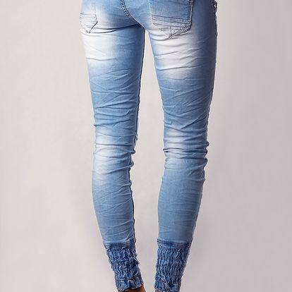 Dámské zůžené jeans s páskem