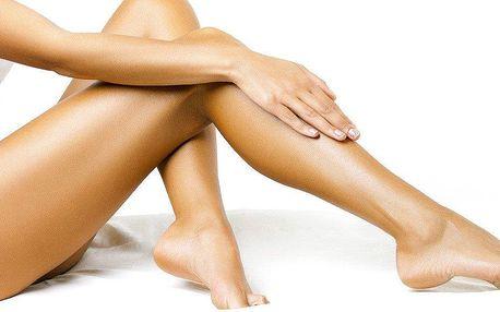 Depilace nohou teplým voskem