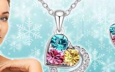 Řetízek s přívěskem a náušnice s krystaly Swarovski Elements ve tvaru romantických srdíček.