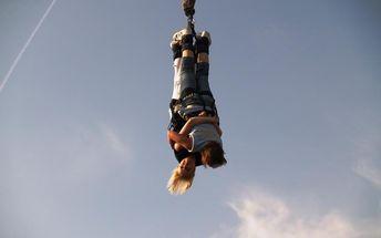 Bungee jumping z jeřábu (60 metrů) v Ostravě