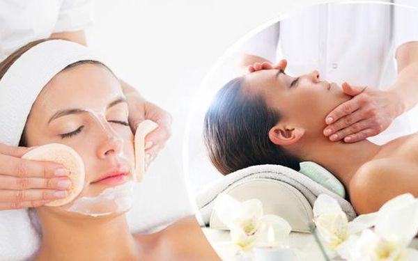Zimní hloubkové ošetření pleti v délce 90 minut. Čištění, napářka, masáž, vitamínová maska a úprava obočí.