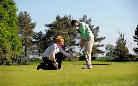 Měsíční golfový kurz včetně zapůjčení setu golfových holí na celý rok, zkoušky způsobilosti a dárku v hodnotě 1200 Kč zdarma