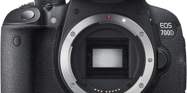 Canon EOS 700D + Dárek v hodnotě 490 KČ
