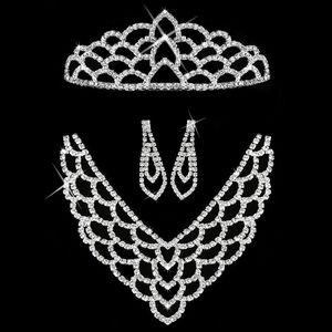 Fashion Icon Štrasová sada MissBeauty náhrdelník, náušnice a korunka