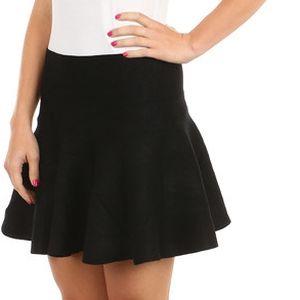 Úžasná pružná sukně vhodná i do chladného počasí