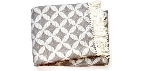 Deka Petalo Plaid Light Grey, 140x180 cm