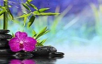 Báječná relaxační masáž v salonu Azeeza za výhodnou dopolední cenu