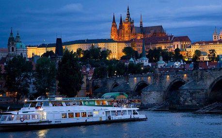 Romantická plavba po Vltavě včetně občerstvení