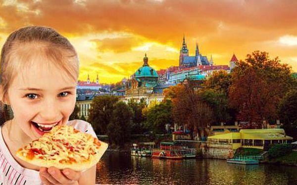 Pobyt pro dva v pražském Hotelu Bohemians s výhledem na Vltavu, včetně snídaně a křupavé pizzy. Díte do 6 let zdarma.