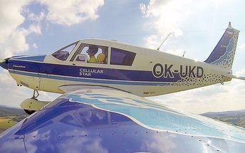 Zážitkové lety nad Karlštejn či Orlík