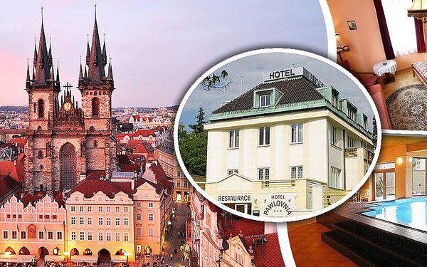 Pobyt pro dvě osoby v hotelu Pawlovnia v Praze. Snídaně, lahev vína, bazén s protiproudem a další!