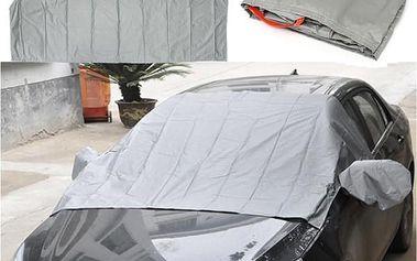 Magnetická plachta na čelní sklo auta