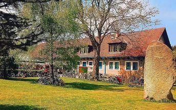 3 nebo 5 dní s láhví vína pro dvě osoby ve Slavonicích v hotelu Landštejnský dvůr