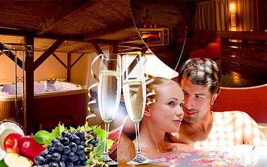 60 - 120min. romantický wellness pro dva! Privátní vířivka a infrasauna + možnost lahve sektu a ovocného talíře!