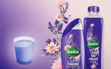 Dárková kazeta Radox Feel Relaxed&Happy sprchový gel + koupelová pěna + svíčka 250 ml + 500 ml