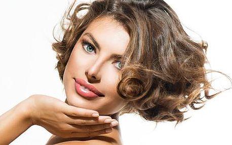 Kupón na až 77% slevu na střih, barvu nebo melír ve Vlasovém studiu